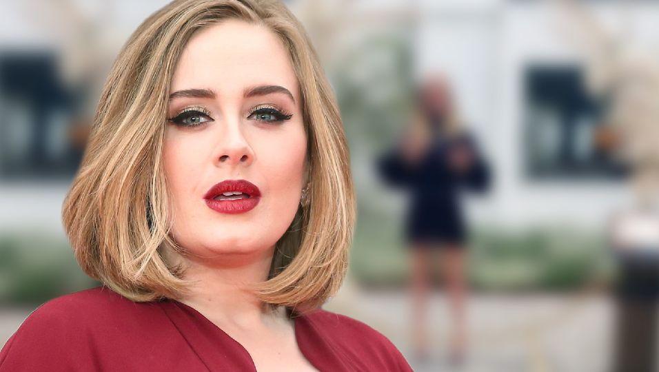 Mit kurzem Kleidchen und offenem Haar: Wir hätten die erschlankte Sängerin kaum wiedererkannt