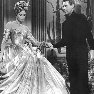"Filmszene aus dem Hitchcock-Klassiker ""Über den Dächern von Nizza"": Grace Kelly mit Cary Grant"